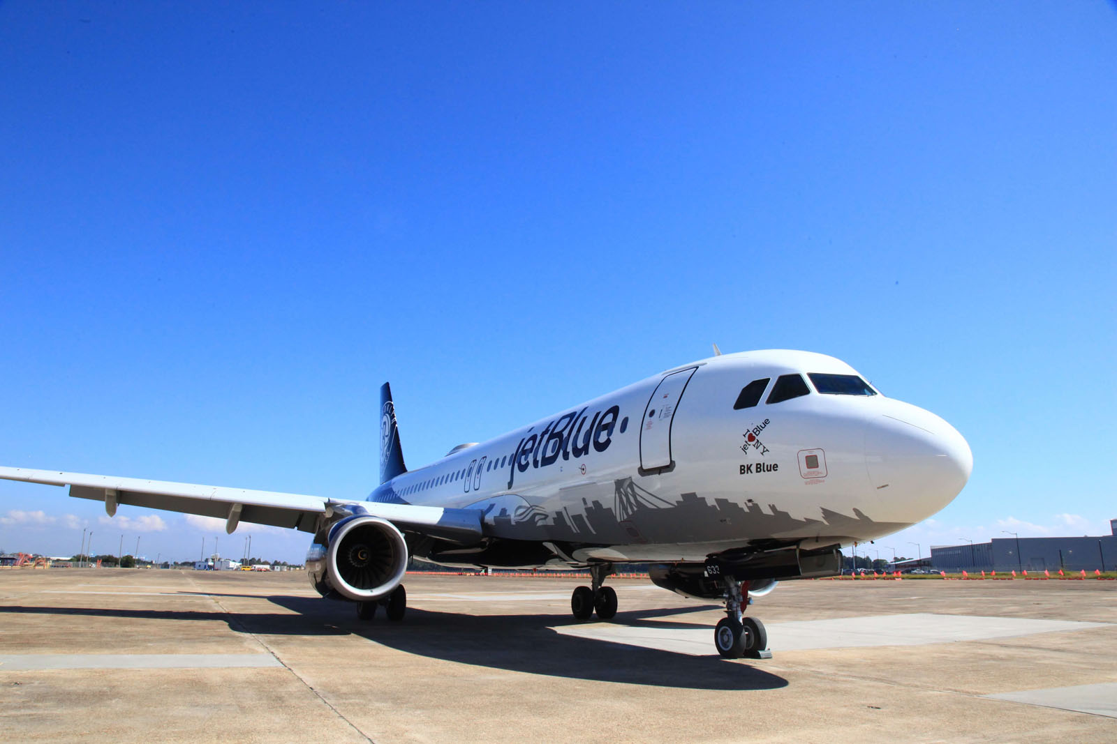 Jetblue Celebrates Holiday Season In September With Deep Discounts